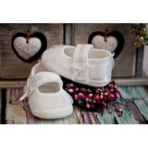 Pantofelki białe